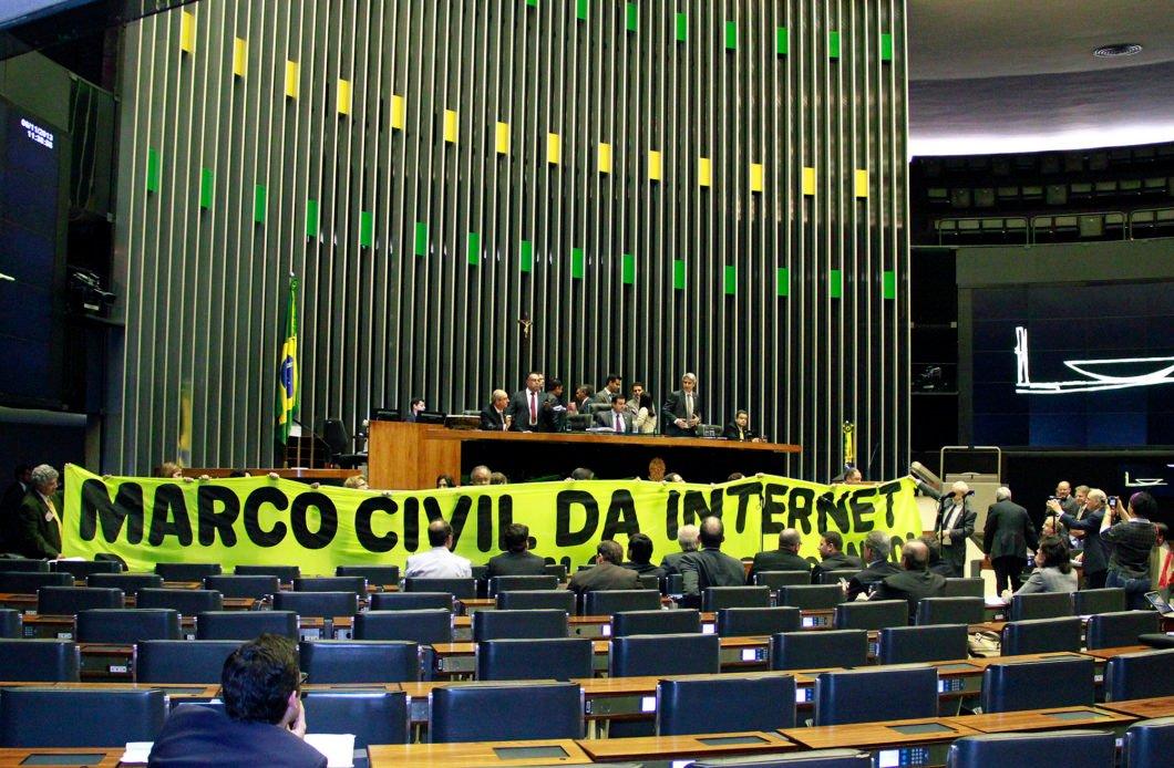 Marco Civil da Internet foi aprovado em 2014 (Imagem: André Oliveira / Câmara dos Deputados)